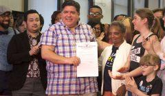 伊州州長簽行政令 保障跨性別學生