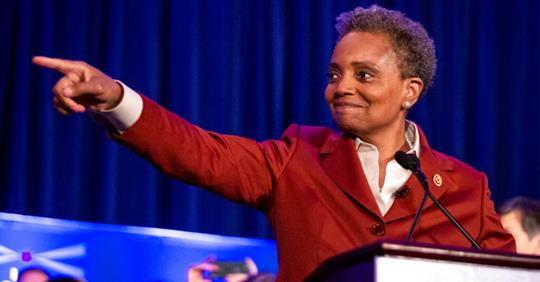 史上第一人 芝加哥選出同志女性非裔市長