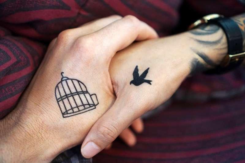 結婚、不結婚之外的第三種選擇!英國最高法院判決:異性戀也有「民事結合」的權利